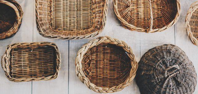 5 pomysłów na zastosowanie koszy wiklinowych w domu