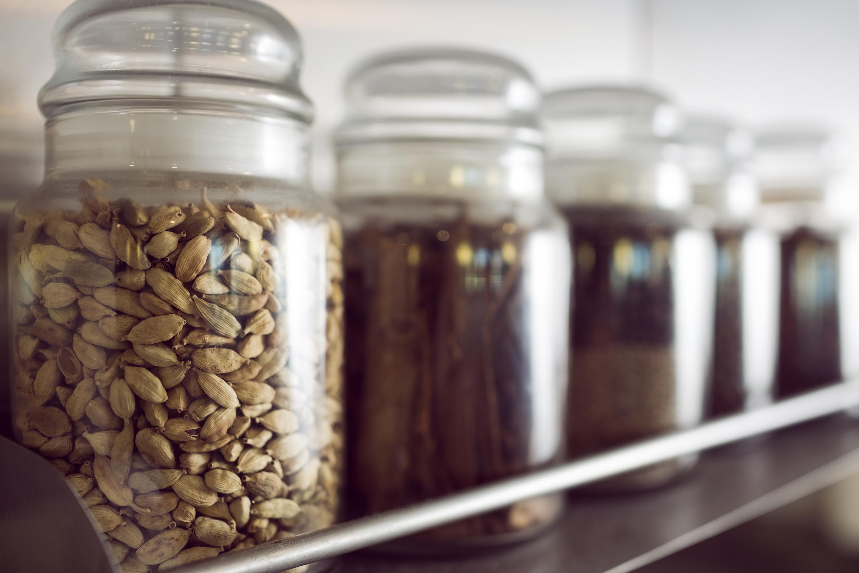 Półka Na Przyprawy W Twojej Kuchni Pomysłowo I Wygodnie