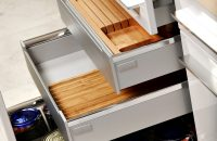 Szuflady kuchenne z organizerami