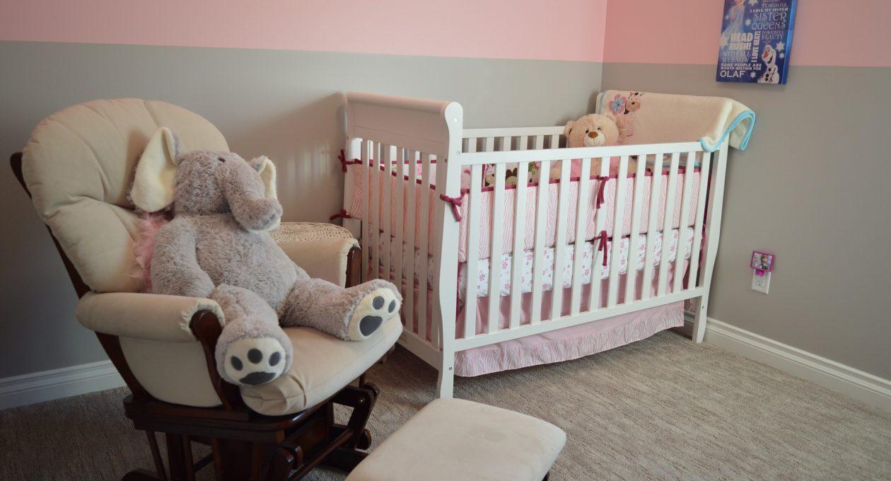 Pokój dla niemowlaka – 5NAJważniejszych elementów wyposażenia