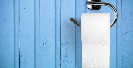 Top 5 najciekawszych pomysłów na uchwyty i stojaki na papier toaletowy