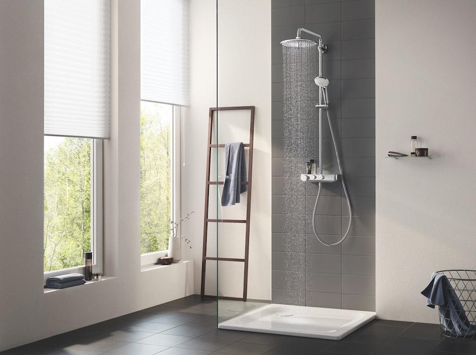 łazienka z kabiną prysznicową
